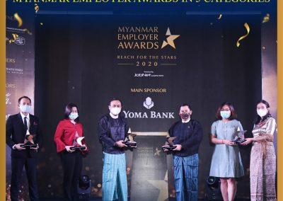 all-leader-handing-awards